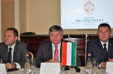 Венгрия и далее будет способствовать развитию Закарпатья