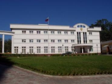 Сотрудники консульства не верят в самоубийство