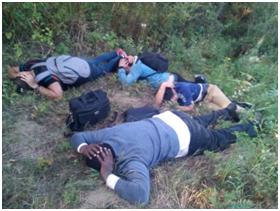 4-х нелегалів затримали за 25 метрів від Державного кордону України.
