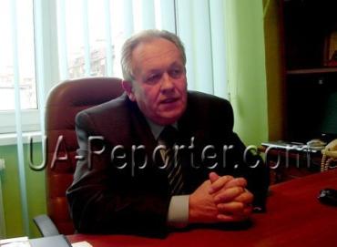 Директор Ужгородського ВПУ торгівлі та технологій харчування Віктор Кощак