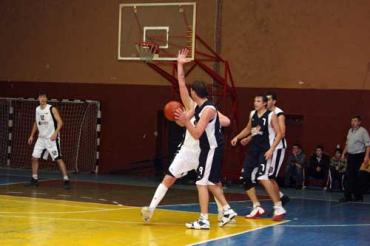 Первый матч в чемпионате Украины — ...первое поражение