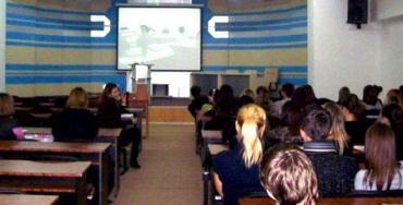 Студенти ЗакДУ проводять відкриту інтернет-лекцію з американським університетом