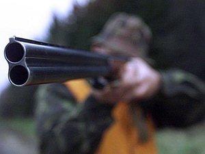 В Ужгороді ревнивець помстився супернику і вистрілив прямо в живіт