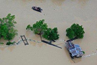 Стихия накрыла 30 домов на юге Филиппин.