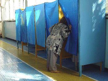 До місцевих виборів на Закарпатті готуються кандидати, а де подівся народ?