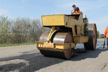 Понад 3, 5 тис м² ямковості дорожники Закарпаття усунули минулого тижня