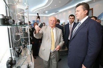Виктор Янукович на Харьковском машиностроительном заводе ФЭД