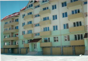 Квартири в п'ятиповерховому цегляному будинку по вул.Володимирській,84