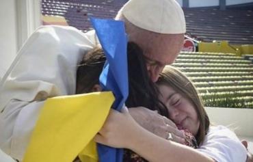 Папа римский Франциск выложил фото о встрече с детьми в Мексике