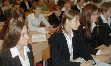 Уроки в мае только мешают ученикам выпускных классов готовиться к сдаче тестов