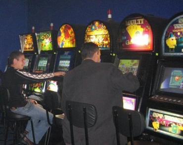 Игровые автоматы массово свозят в села