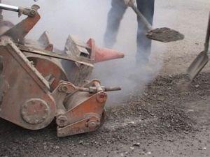 Безработные будут строить дороги и взлетную полосу