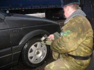 Попытка закарпатца перевезти 500 пачек сигарет в Румынию потерпела фиаско