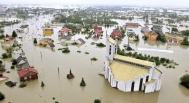 В Румынии под водой оказалось более 30 населенных пунктов