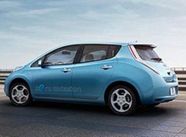 Nissan Leaf - первый серийный электромобиль, победивший в престижном конкурсе