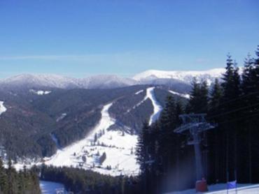 Зимы в Карпатах всегда настоящие, - с морозом и снегом