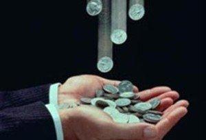 Политика украинской власти и НБУ не согласовали инфляцию и курс гривны