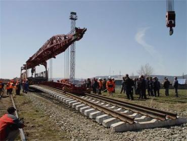 Соглашение о строительстве железной дороги будет подписано 28 мая в Сочи (Россия)