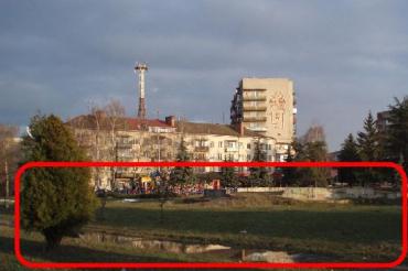 Ужгород, пл. Б.Хмельницького – планується будівництво розважального комплексу