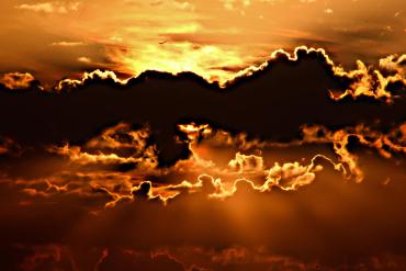 Заход и восход солнца испокон веков вдохновлял людей на творчество