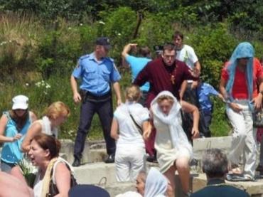 В Ужгороде конфликт между верующими перерос в драку