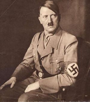 У 1940 році Ріббентроп подарував Миколі Глущенку альбом акварелей Гітлера