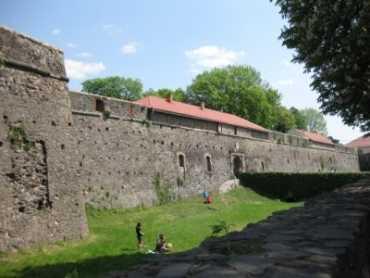 Закарпатські замки у легендах, переказах, творах
