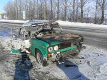 """В Хмельницке """"Жигули"""" сгорело от взрыва пропана"""