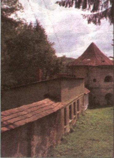 Палац-фортеця графів Телекі в закарпатському Довгому