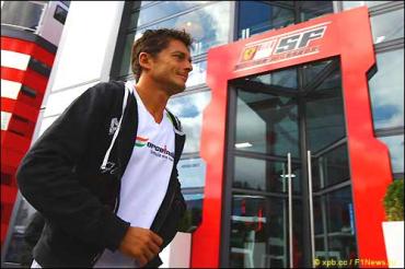 Джанкарло Физикелла освобожден от контракта с Force India
