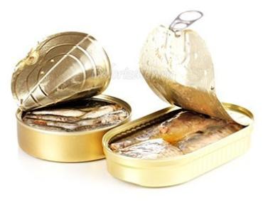 Новый случай ботулизма: Теперь из-за употребления рыбной консервы