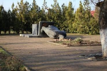 Чоп избавился от памятника Ленину
