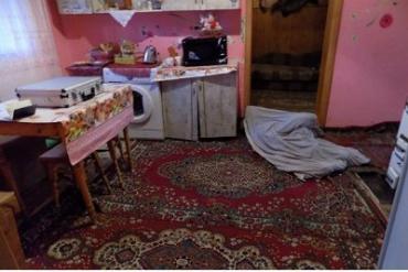 В Закарпатье дочь до смерти забила свою мать палкой