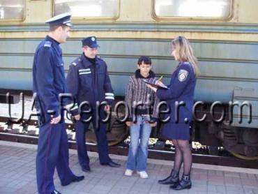 """В Ужгороді міліція перевіряла """"бездомних"""" неповнолітніх"""