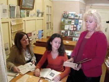 Библиотека УжНУ пополнилась новыми книгами от Дома Солженицына