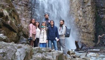 Красу Манявського водоспаду передати словами неможливо