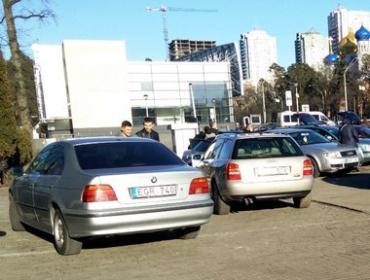 Авто с литовскими номерами придется вернуть