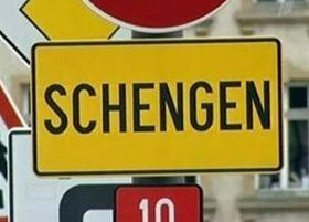 Украинцам начали давать больше шенгенских виз