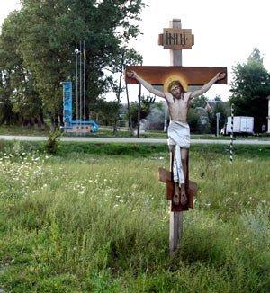 На Закарпатье на обочине дорог находится около 300 поминальных объектов — крестов и памятников