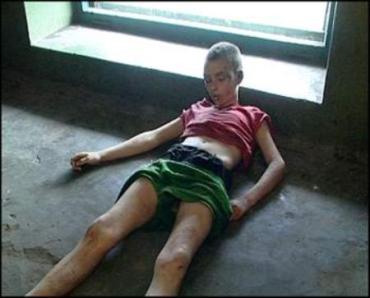 Труп школьника нашли в подвале собственного дома