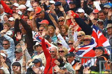 Возвращение Шумахера вызвало ажиотажный спрос на билеты
