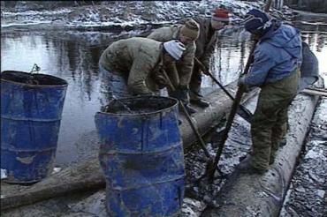 В Велико Березнянском районе ликвидируют утечку с продуктопровода