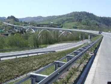 Словаки реалізують дві велетенські інвестиції