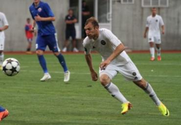 Андрей Шевчук пяткой переправил мяч в ворота Говерлы