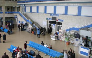 Пасажирів одеського аеропорту екстрено евакуювали