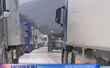 На трассе Киев-Чоп сплошной лед длиной 30 км