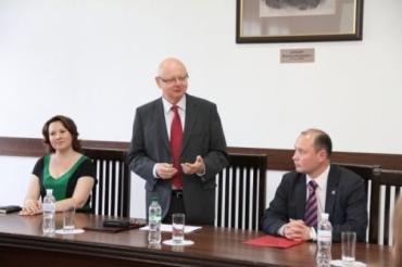 На церемонии открытия Посол Венгрии в Украине Михаль Баер