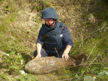 Между населенными пунктами Тарновцы и Концево нашли настоящю бомбу