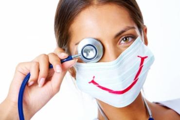 В Польщі та Угорщині українських медиків беруть на посади медсестер та санітарок