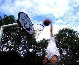 Стрітбол, або вуличний баскетбол